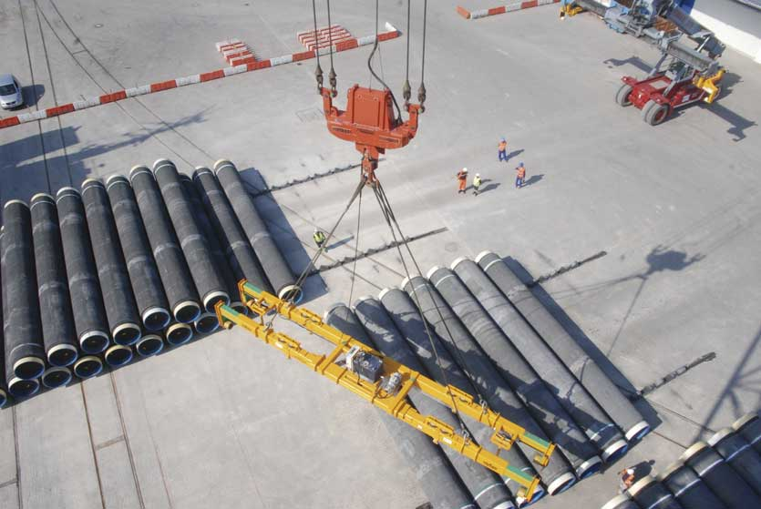Pipe joints ready for trans-shipment to the interim stock yard Karlskrona (Sweden), 25 August 2009